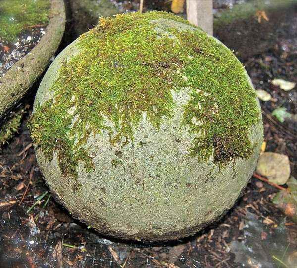 sztuczny głaz ogrodowy z hypertufy