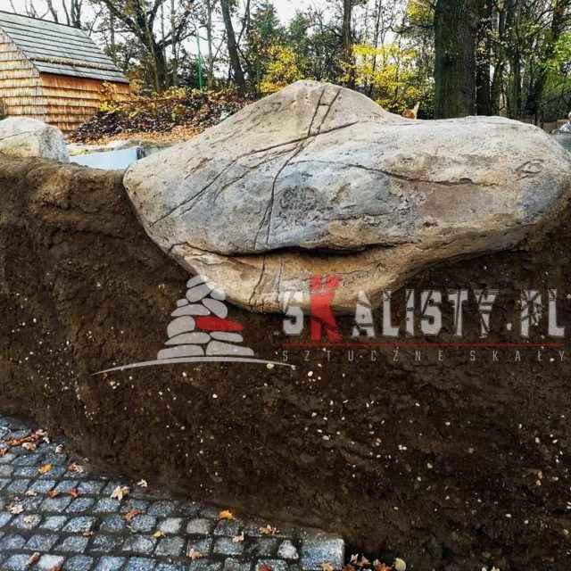 imitacja kamienia na ścianie i imitacja ziemi